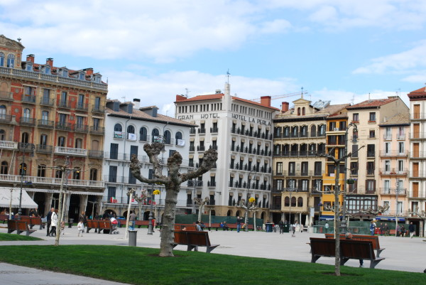 Plaza del Castillo and Hotel La Perla