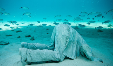Underwater sculpture Jason deCaires