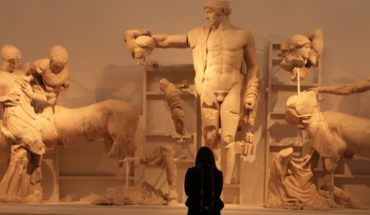 Olympia museum statues